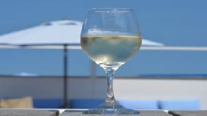 Vino blanco para saborear el verano